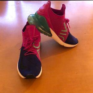 Nike Fly Knit 270